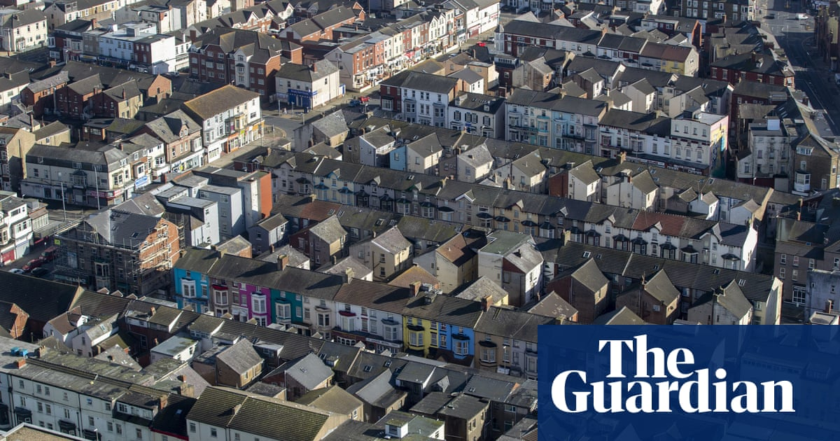 Thursday briefing: Renters at risk from cut to universal credit