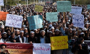 Protesters in Islamabad call on authorities to take action against blasphemous content on social media