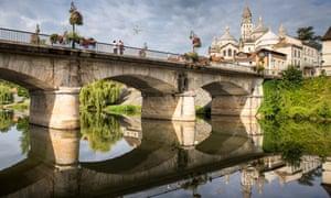 Sur le pont … the Barris bridge and Saint Front cathedral, Perigueux.