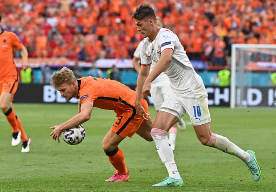 Matthijs de Ligt handles the ball in the incident that led to his sending off.