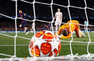 David de Gea drops to his knees after allowing Lionel Messi's tame shot to squirm under his body.