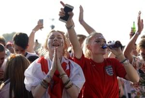Hopeful fans back in Hyde Park, London.
