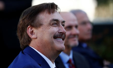 Mike Lindell at the White House. Lindell is a Phoenix Biotechnology board member.