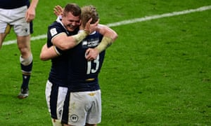 Scotland's players celebrate after a last-gasp win over France.