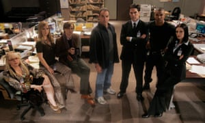 Mandy Patinkin and the cast of Criminal Minds