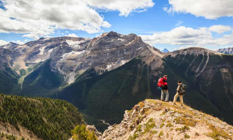 Two back packers hike the Citadel Pass trail