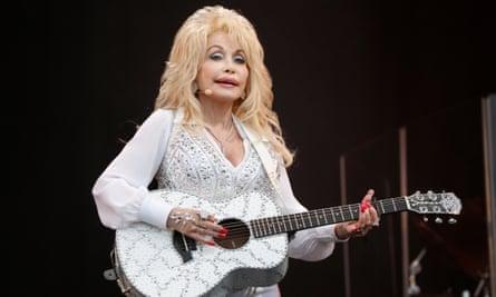 Dolly Parton on the Pyramid Stage, Glastonbury.