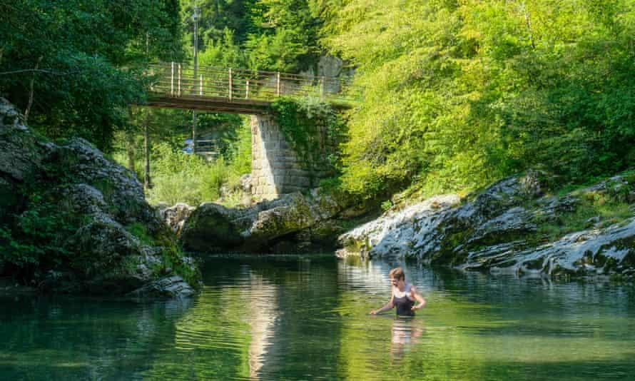 Swimming in The Chéran