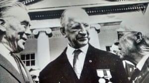 Patrick Reid (left) and president of Ireland Éamon de Valera (centre), 1966.