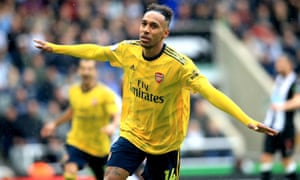 Arsenal's Pierre-Emerick Aubameyang celebrates scoring his side's first goal.