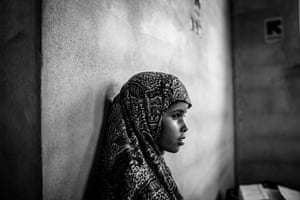 A young girl at a mobile health clinic on the outskirts of Aden