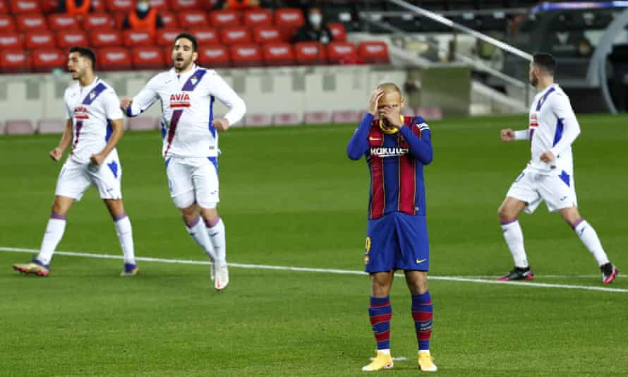 Martin Braithwaite reacts after putting his early penalty wide.