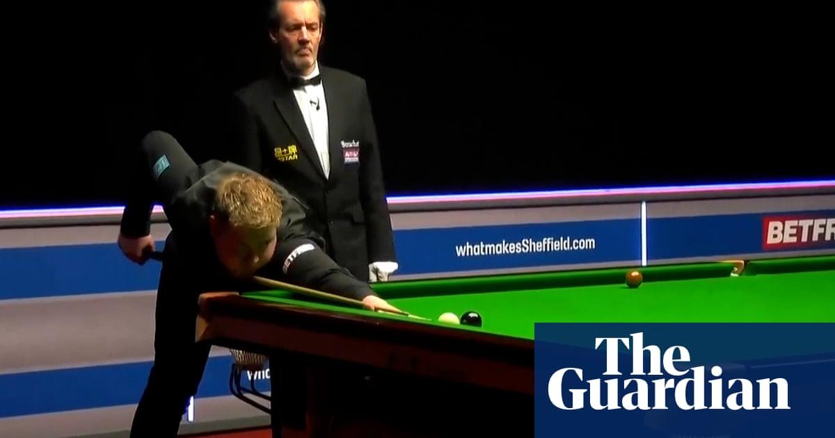 Louis Heathcote produces most extraordinary snooker shot – video