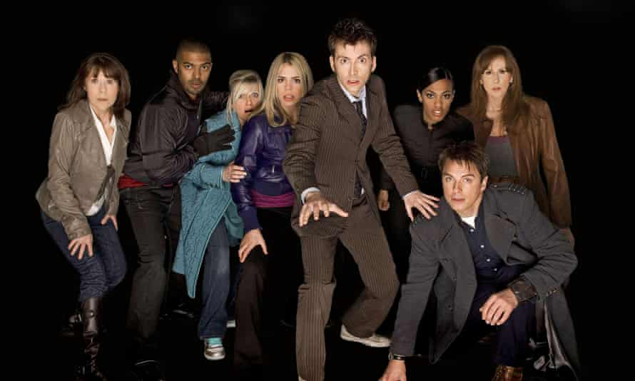 Noel Clarke (second left) and John Barrowman (front row, kneeling) in a publicity show for Doctor Who in 2008