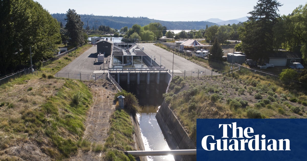 Rightwing protesters at Klamath Falls threaten to open reservoir headgates