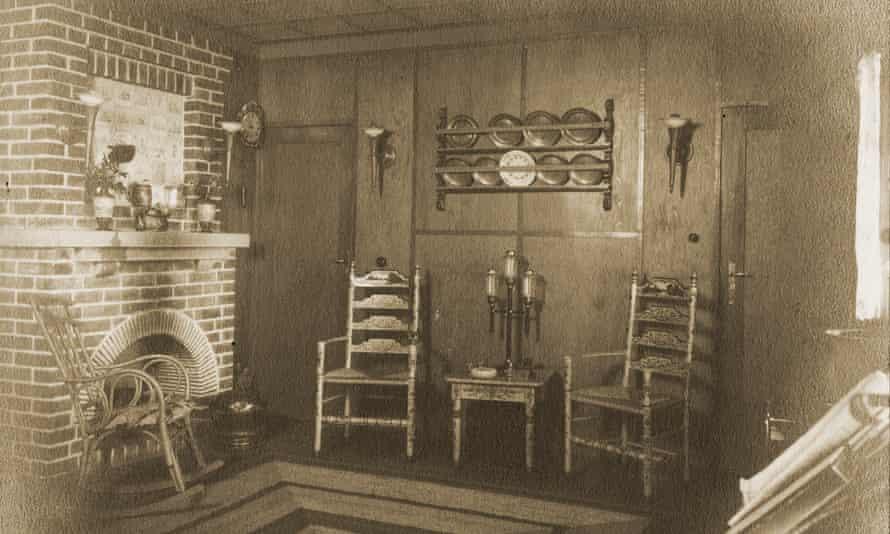 The living room in Alexander Haus in 1928