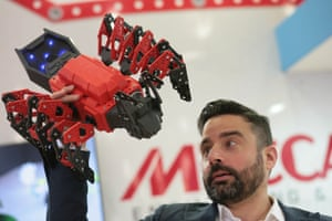 Geoff Oliver with Meccano Spider.