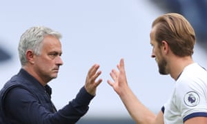Harry Kane acknowledges the manager José Mourinho after Spurs had seen off the challenge of Leicester.