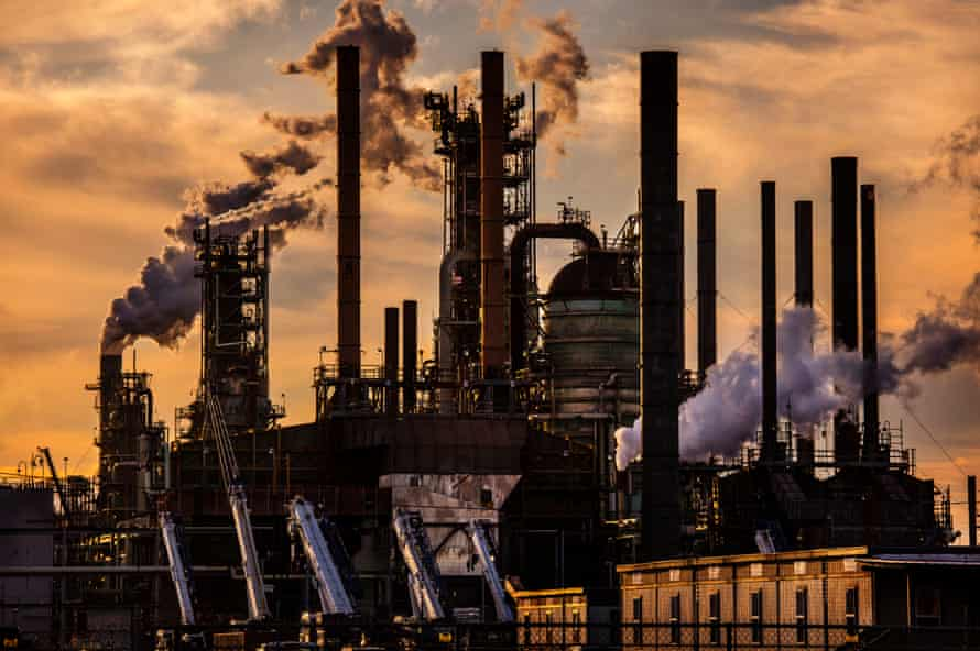 Oil refinery, owned by Exxon Mobil, is the second largest in the country, in Baton Rouge, Louisiana. Fossil gas is responsible for 42% of the US greenhouse gas emissions that come from burning fossil fuels.