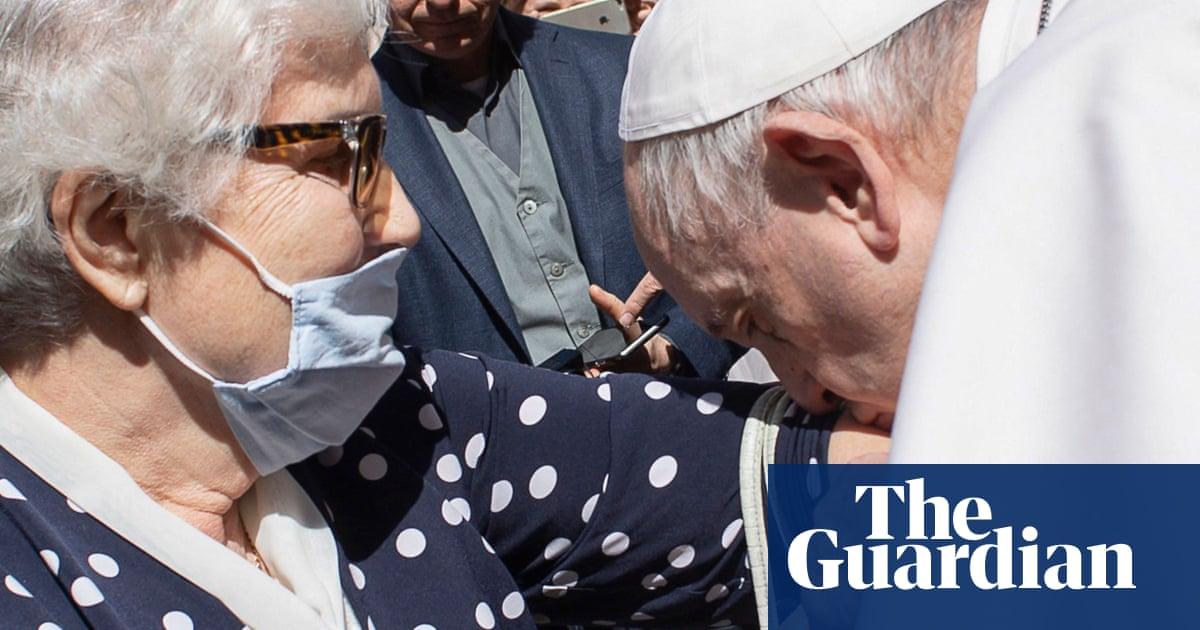 Pope Francis kisses Holocaust survivor's Auschwitz tattoo