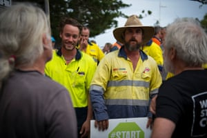 The convoy was met by a mixed group of supporters and opponents when it reached Emu Park, north-east of Rockhampton. A group of pro-mining protesters confronted members of the convoy, marking the first pushback the group had experienced and setting the tone for the next few days.