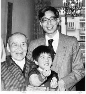 Li Yin-wo (left), Martin Lee and Martin Lee's son, Joseph.
