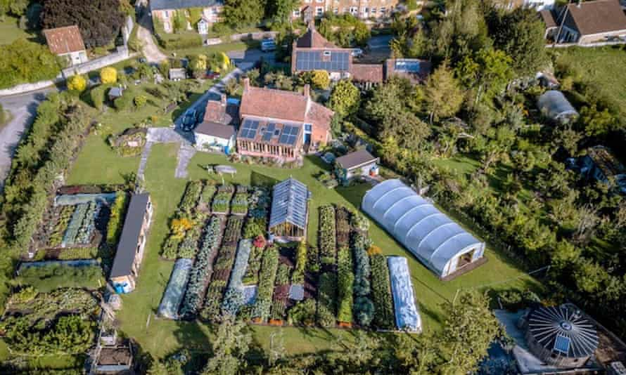 Charles' no dig market garden in September 2019, 1000 square metres of beds. Use the same approach for one bed or 100 beds.