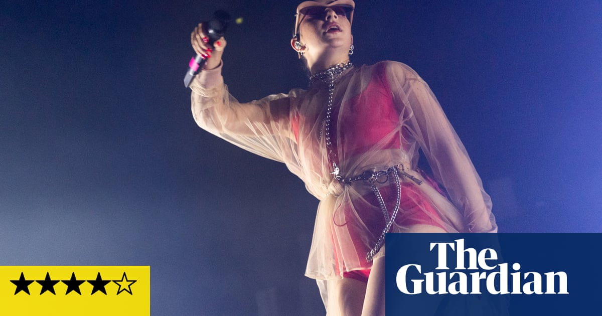 Charli XCX review – laser sharp star burns her own path