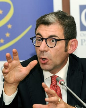 Luca Volontè, an Italian politician, has been accused of accepting bribes to quash a report into the plight of political prisoners in Azerbaijan.