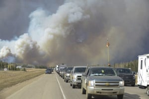 Canadian wildfires: smoke fills the air as people leave Fort McMurray