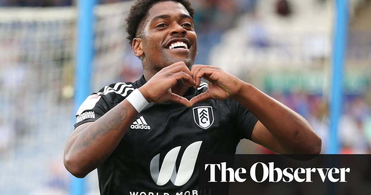 Late Cavaleiro double seals crushing win for 10-man Fulham at Huddersfield