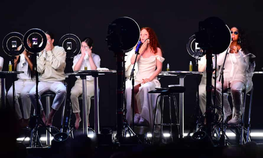 Jess Glynne (centre) performs with R&B singer HER at the 2019 Brit awards, 20 February 2019.