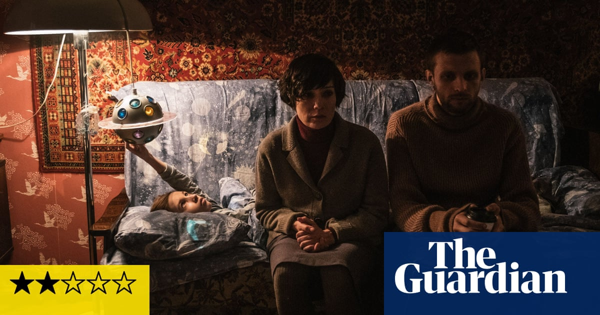 Petrov's Flu review – feverish tale of a pandemic and societal breakdown