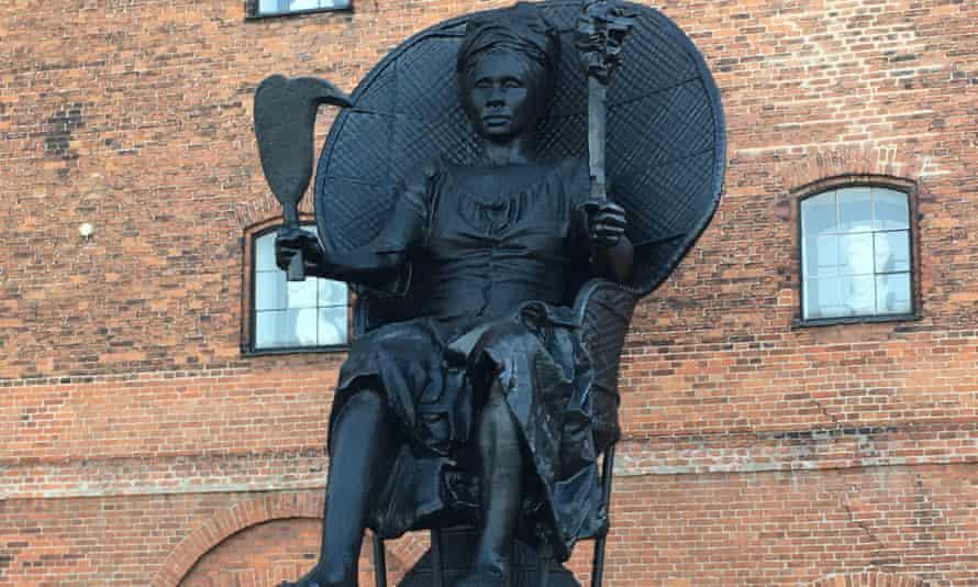 Mary Thomas statue