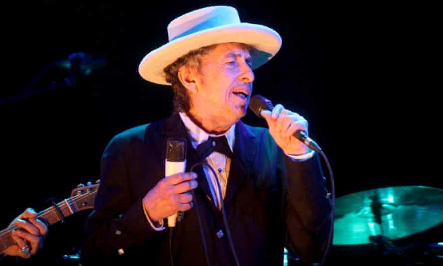 Bob Dylan performing in 2012