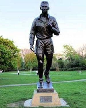Brian Clough statue.