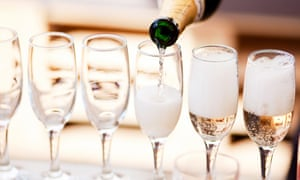 Some dentists blame the acid and sugar in prosecco for tooth decay.