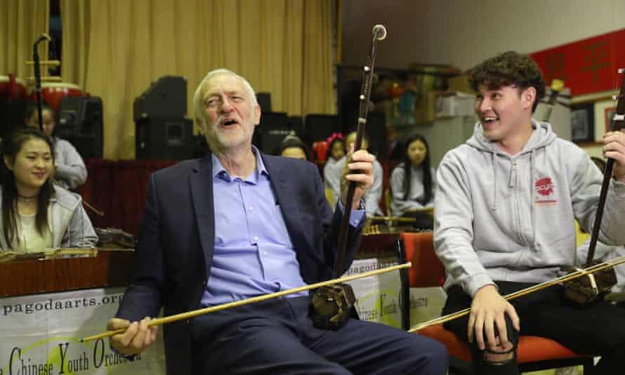 Jeremy Corbyn plays an erhu