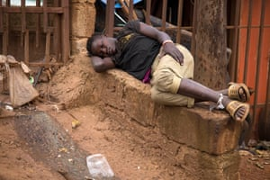 A child passed out after using drugs in Kisenyi.