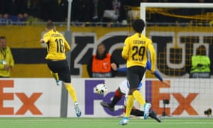 Christian Fassnacht of Young Boys thumps home from the edge of the area to make the score 2-1 in the last minute of added time.