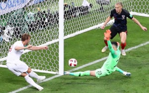Harry Kane spurns two good chances in succession – first the goalkeeper saves his effort from ten yards and then Kane sweeps the ball onto the post from inches out.