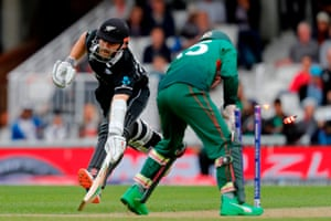 Mushfiqur knocks the bails off before gathering the ball, let off for Williamson as he avoids being run out.