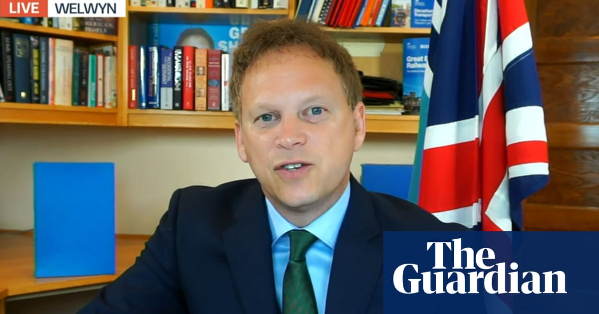 Office workers in England not obliged to be vaccinated, says minister