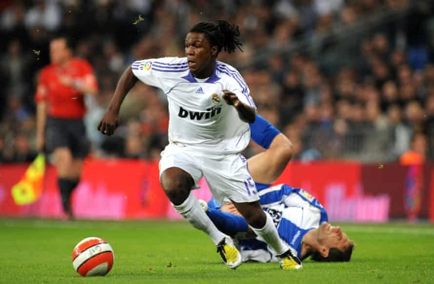 Drenthe playing for Real Madrid against Espanyol in 2008