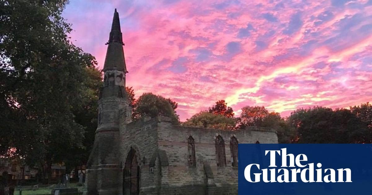 Dead tasty: English history festival revives tradition of graveside picnics