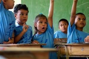 Schoolchildren learning about hammerhead sharks