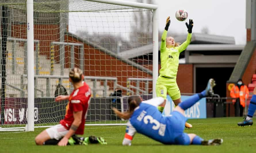 Birmingham's goalkeeper Hannah Hampton is among the uncapped players called into England's squad.