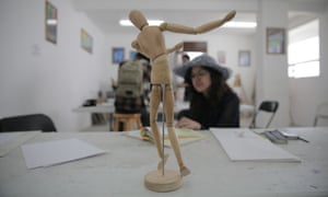 A student at the Deportivo's fine-arts class.