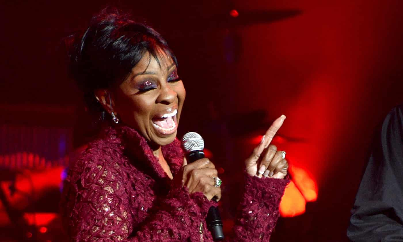 Gladys Knight review – empress of soul whips her crowd into euphoria