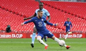 Hakim Ziyech of Chelsea opens the scoring.